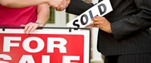 Lower Hutt Real Estate Agent Professionals redcoats Anna Manning sold sign 1